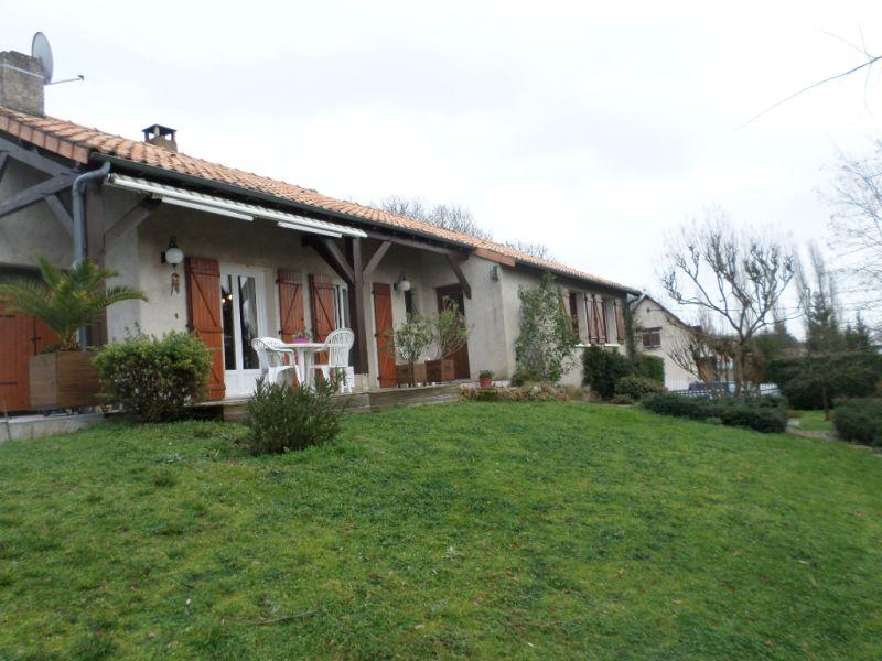 Vente maison / villa Bonnes 224000€ - Photo 1
