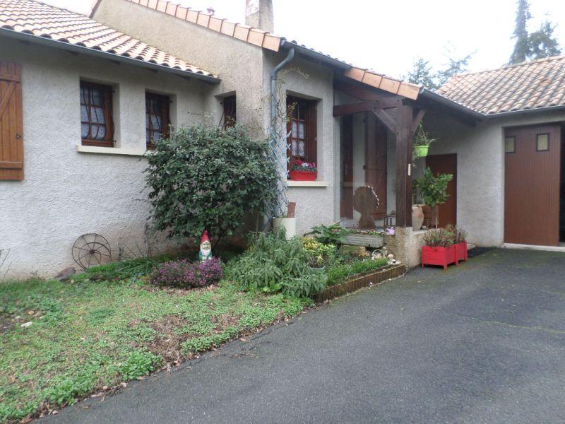 Vente maison / villa Bonnes 224000€ - Photo 11