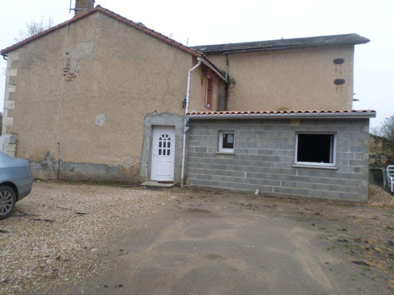 Vente maison / villa Mazerolles 77500€ - Photo 1