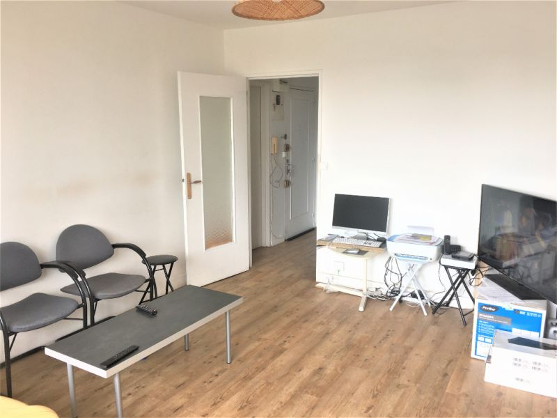 Sale apartment Pontoise 179 800€ - Picture 1