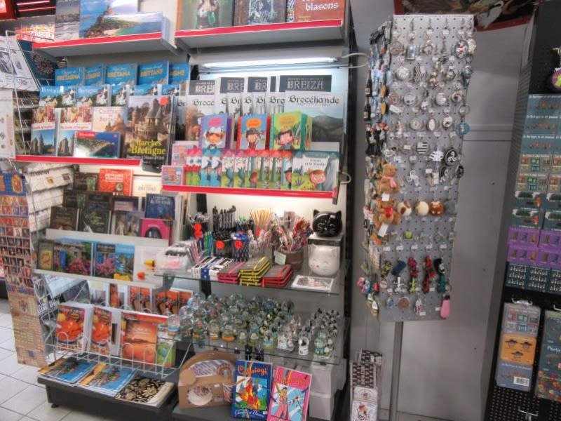 Vente fonds de commerce boutique Fougeres 130990€ - Photo 6