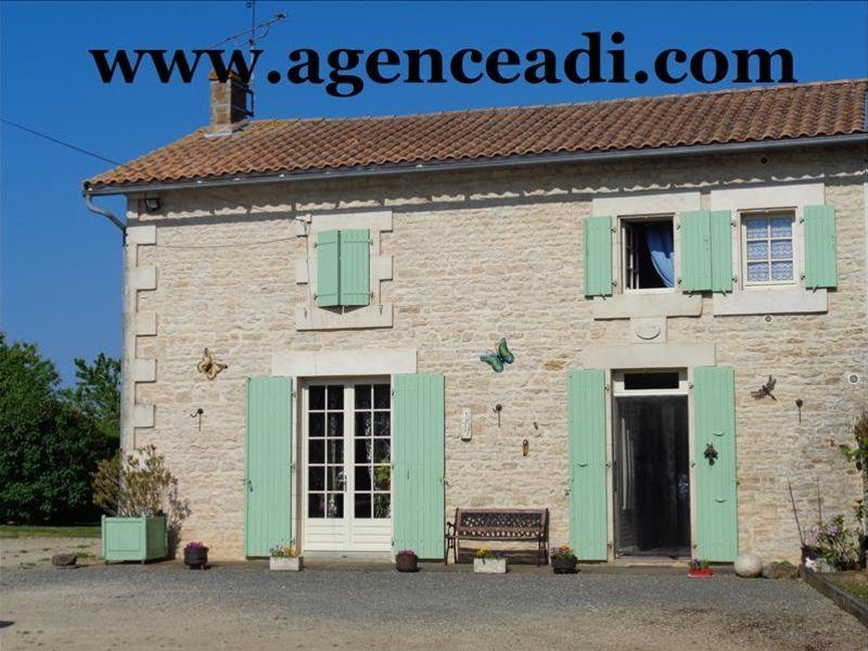 Vente maison / villa Lezay 124900€ - Photo 1