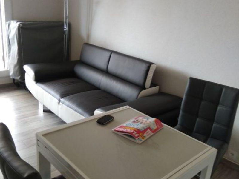 Rental apartment La ciotat 100€ CC - Picture 2