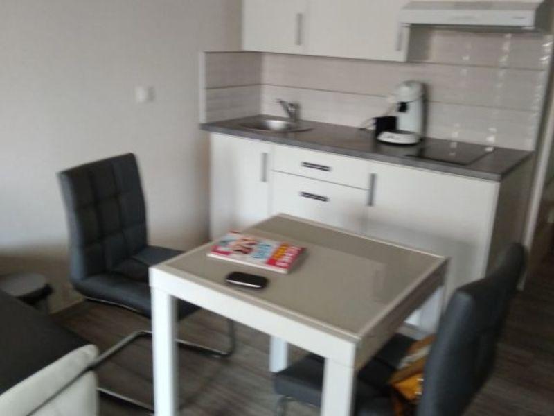Rental apartment La ciotat 100€ CC - Picture 5