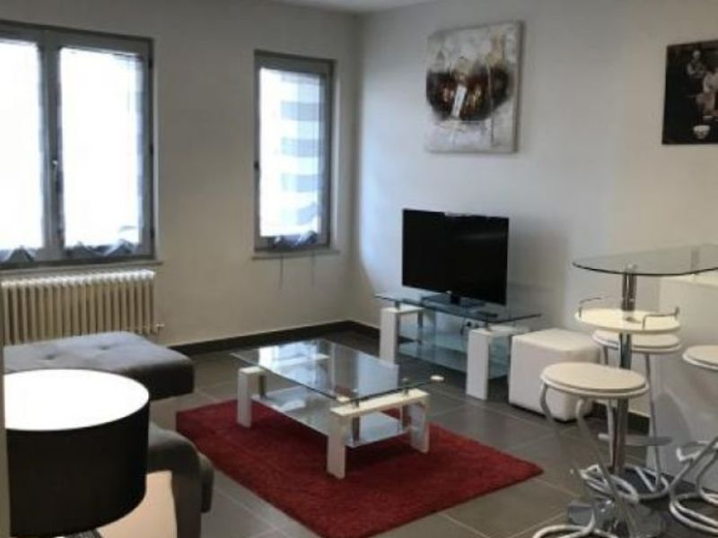 Rental apartment Lyon 06 1053€ CC - Picture 1