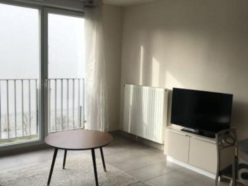 Rental apartment Collonges au mont d or 800€ CC - Picture 3