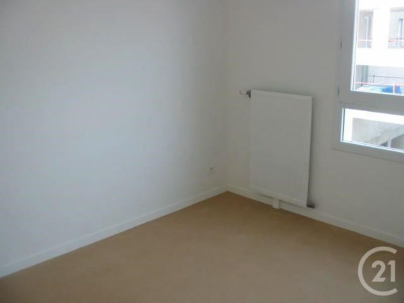 Location appartement Massy 130€ CC - Photo 1