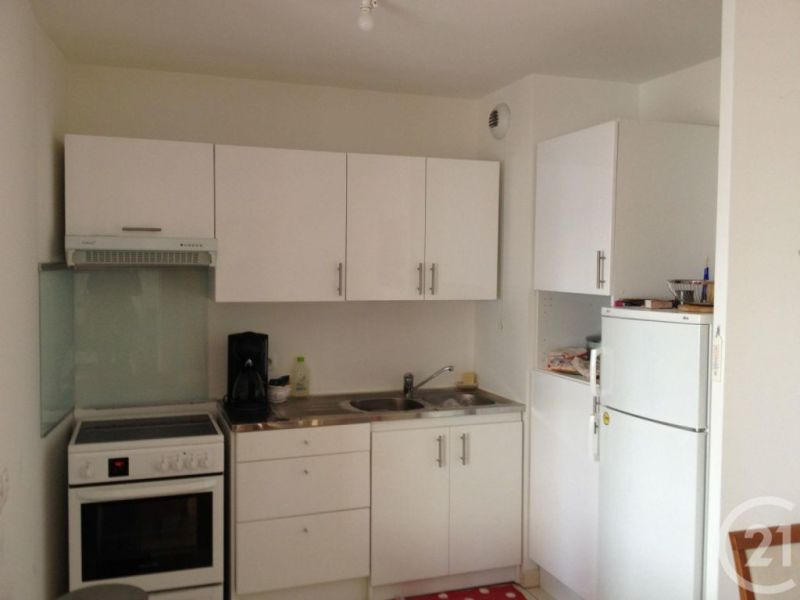 Location appartement Massy 130€ CC - Photo 3