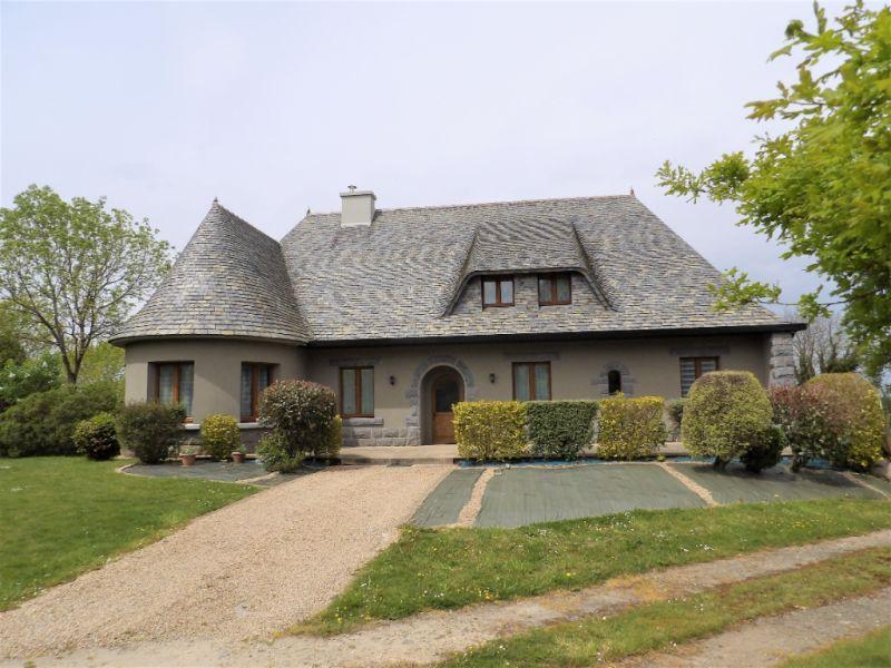 Sale house / villa Carhaix plouguer 239200€ - Picture 1