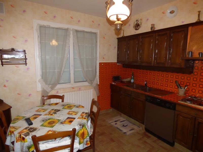 Sale house / villa Yzeure 170000€ - Picture 8