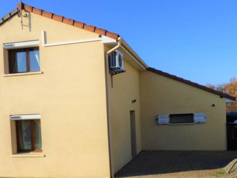 Sale house / villa Montbeugny 210000€ - Picture 4