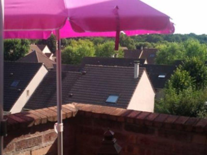 Locação apartamento Montigny le bretonneux 875€ CC - Fotografia 2
