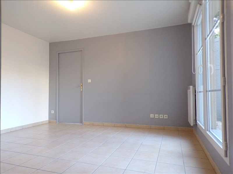 Location appartement Fontenay le fleury 770€ CC - Photo 2