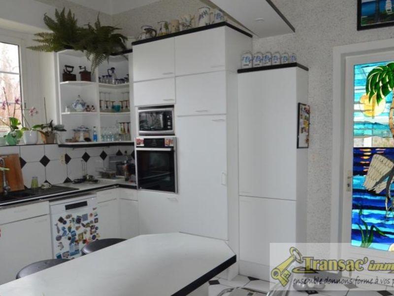 Sale house / villa Puy guillaume 292600€ - Picture 8
