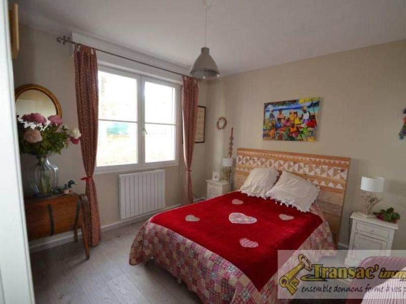 Sale house / villa Puy guillaume 292600€ - Picture 10