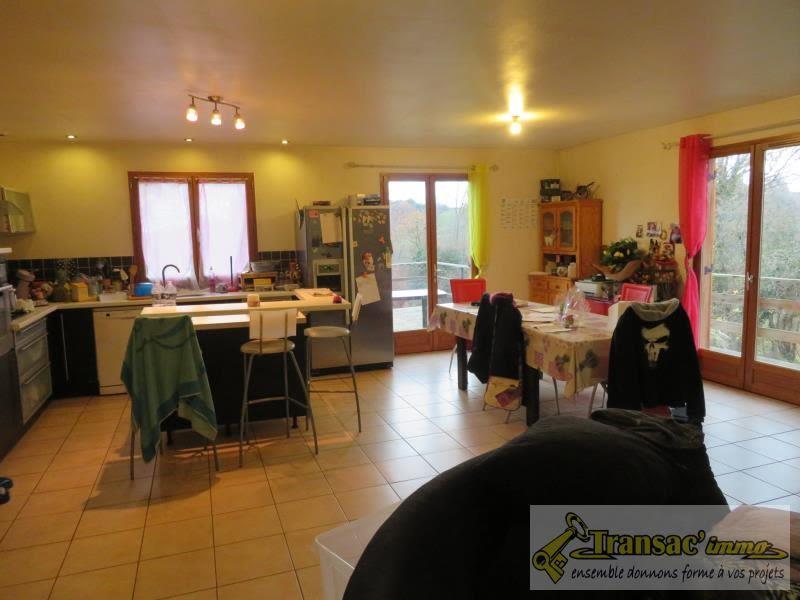 Sale house / villa Puy guillaume 159750€ - Picture 5