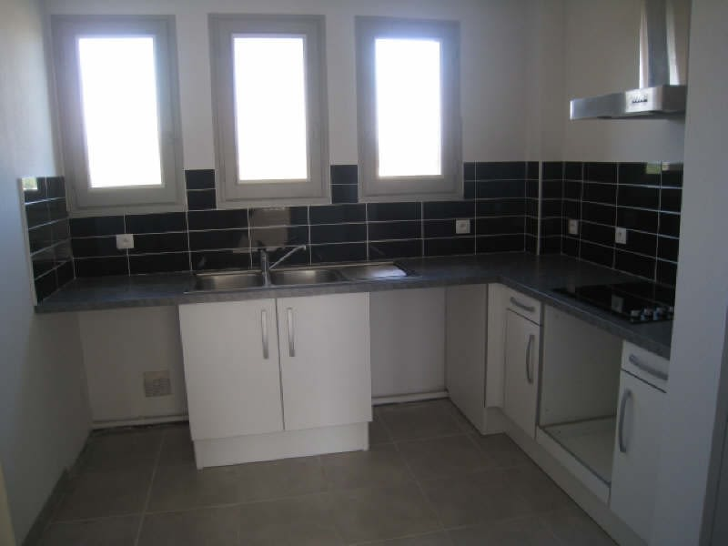 Rental apartment Carcassonne 536,01€ CC - Picture 1