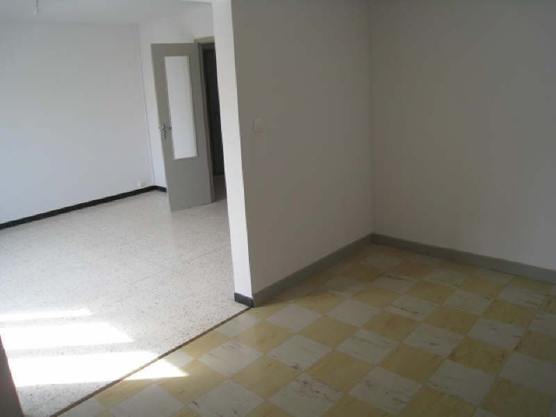 Rental apartment Carcassonne 536,01€ CC - Picture 4
