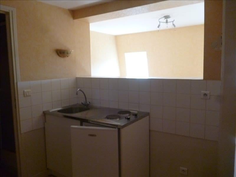 Location appartement Le coteau 232€ CC - Photo 2