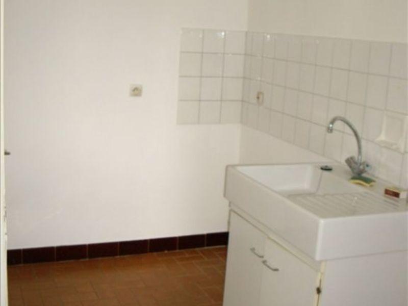 Location appartement Roanne 446€ CC - Photo 3
