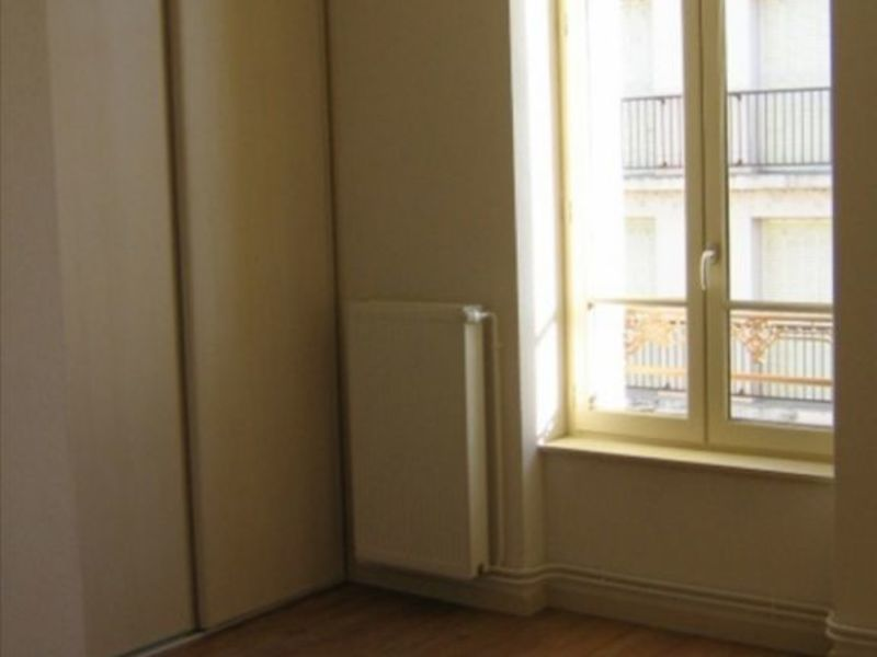 Location appartement Roanne 571,62€ CC - Photo 5