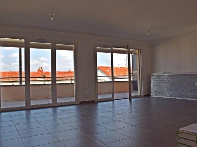 Sale apartment Riorges 182000€ - Picture 2