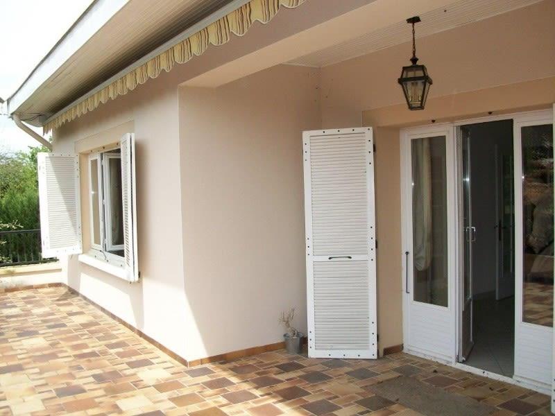 Sale house / villa Commelle-vernay 282500€ - Picture 3