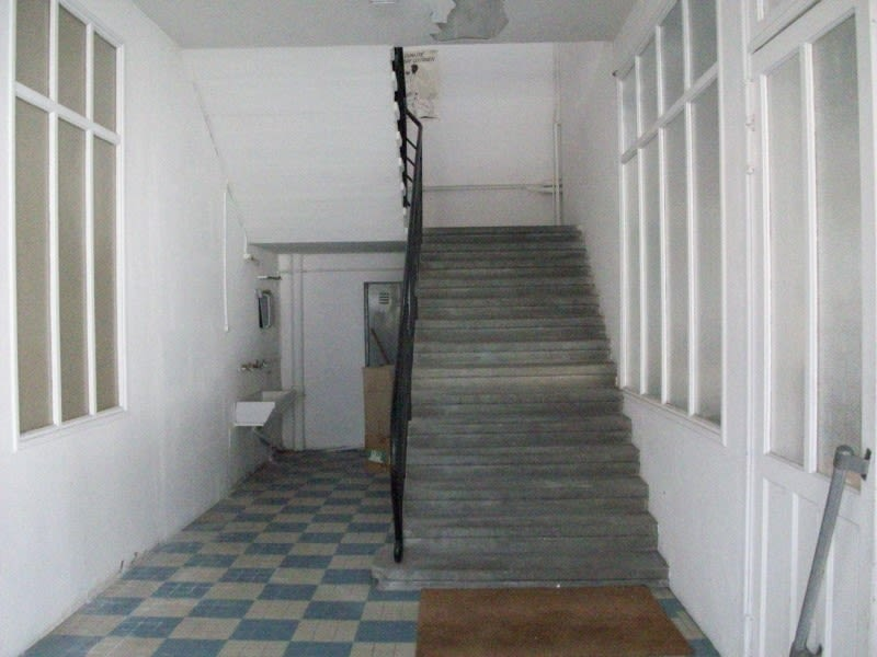 Sale empty room/storage Riorges 325 000€ - Picture 2