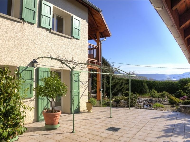 Sale house / villa Morestel 390000€ - Picture 1
