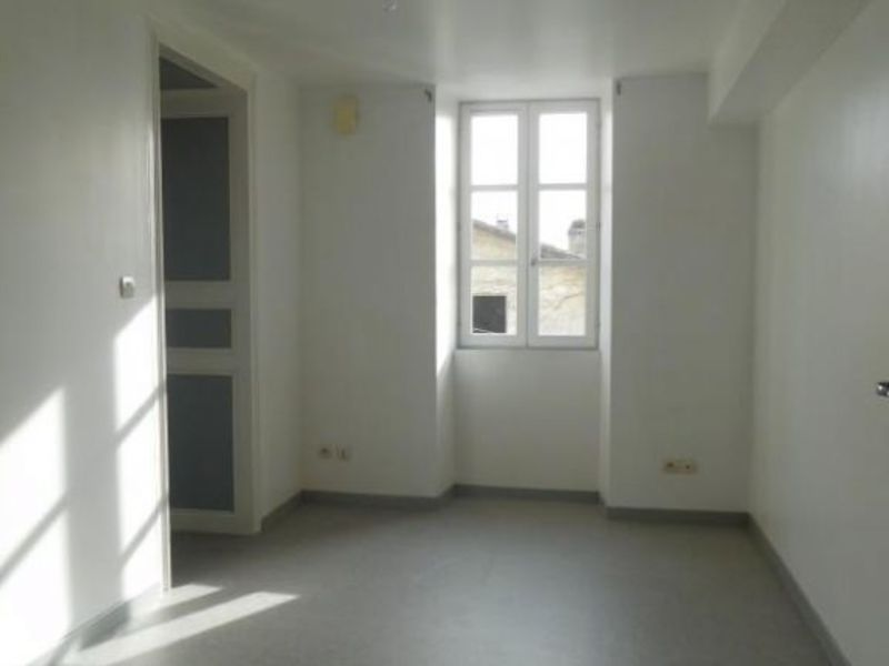 Rental apartment St andre de cubzac 682€ CC - Picture 8