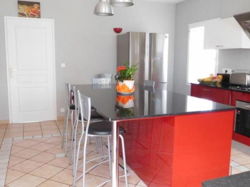Sale house / villa St andre de cubzac 335000€ - Picture 2