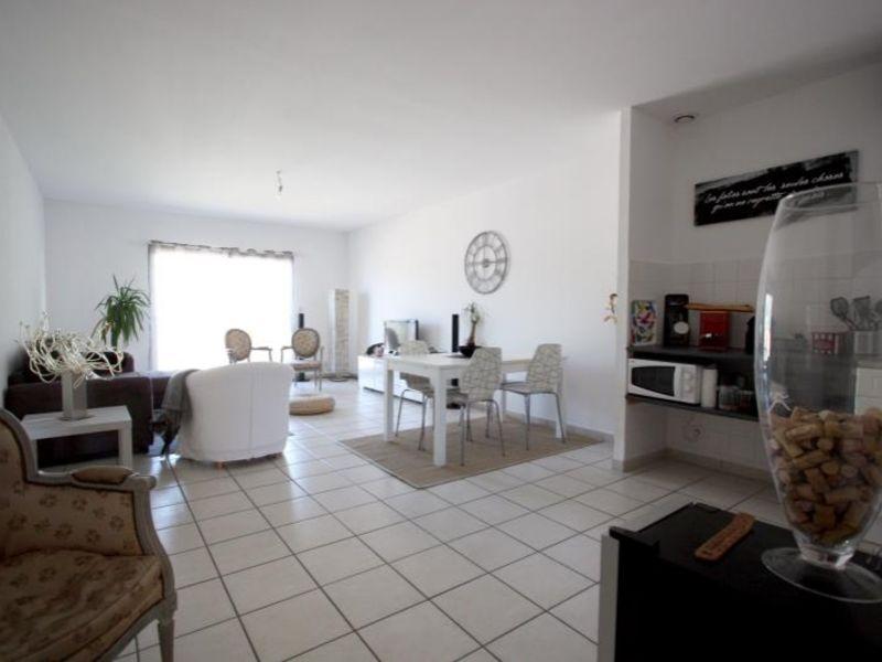 Rental apartment St andre de cubzac 693€ CC - Picture 3