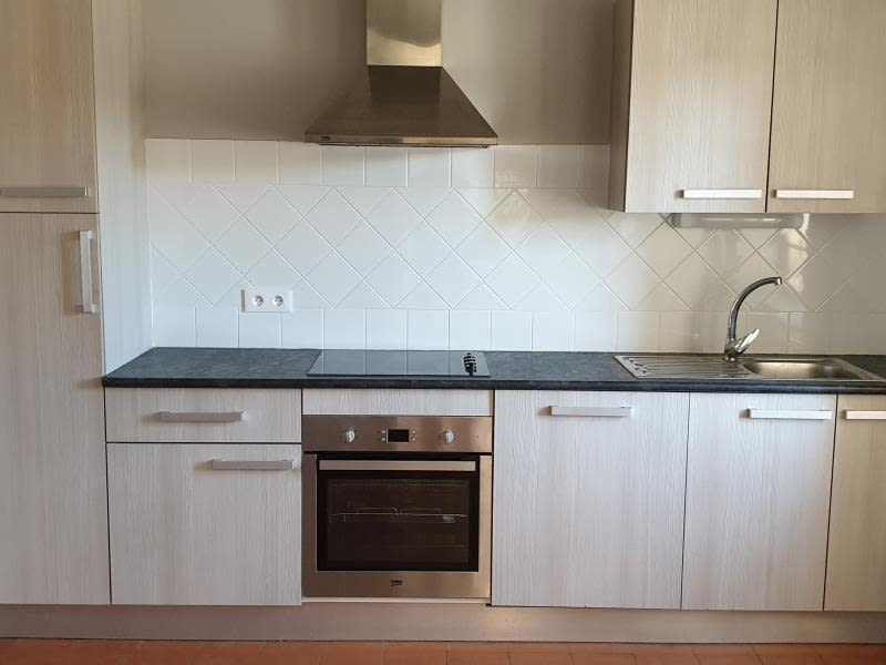 Rental apartment Nimes 765€ CC - Picture 6
