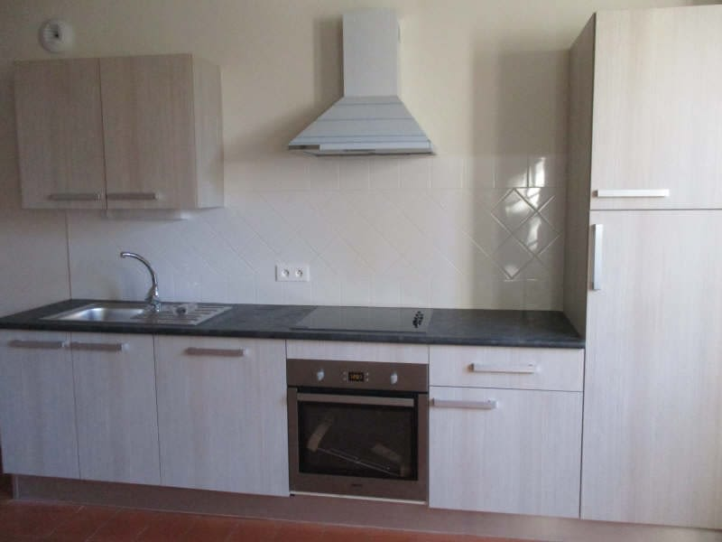 Rental apartment Nimes 604€ CC - Picture 3