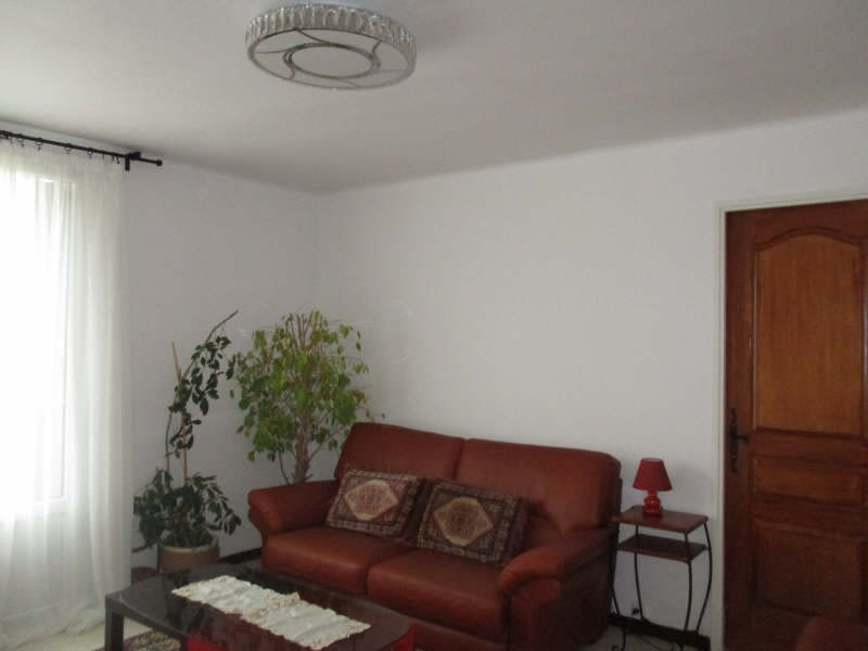 Sale apartment Nimes 86000€ - Picture 2