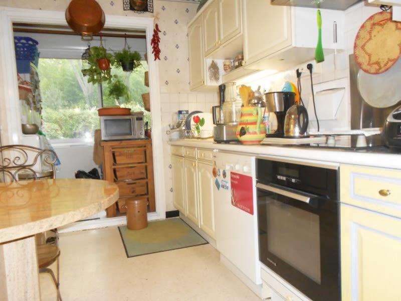 Sale apartment Nimes 235200€ - Picture 2