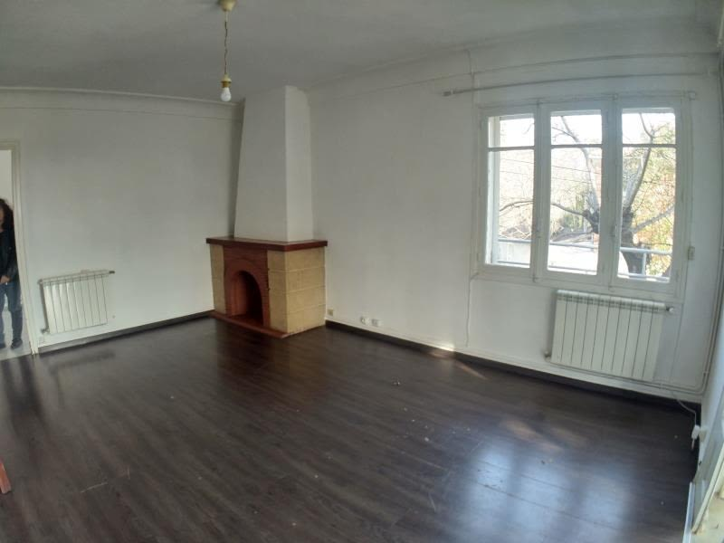 Sale apartment Nimes 148 000€ - Picture 3