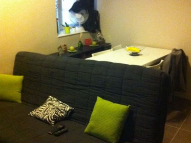 Location appartement Nimes 341€ CC - Photo 3