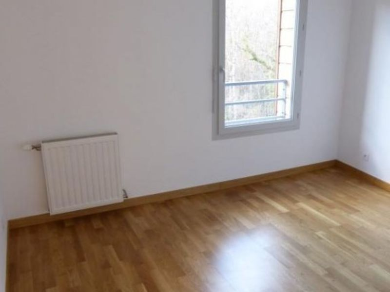 Location appartement Cessy 1 431€ CC - Photo 4