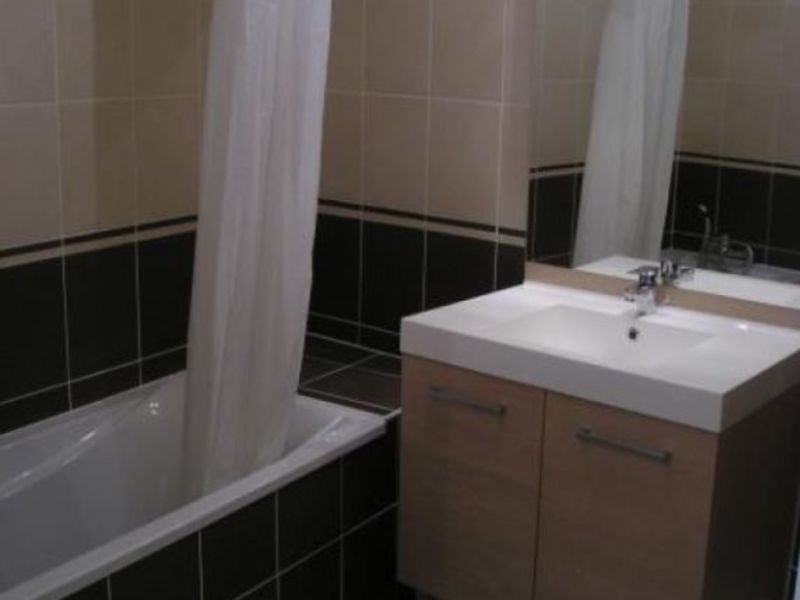 Location appartement Cessy 1 431€ CC - Photo 5