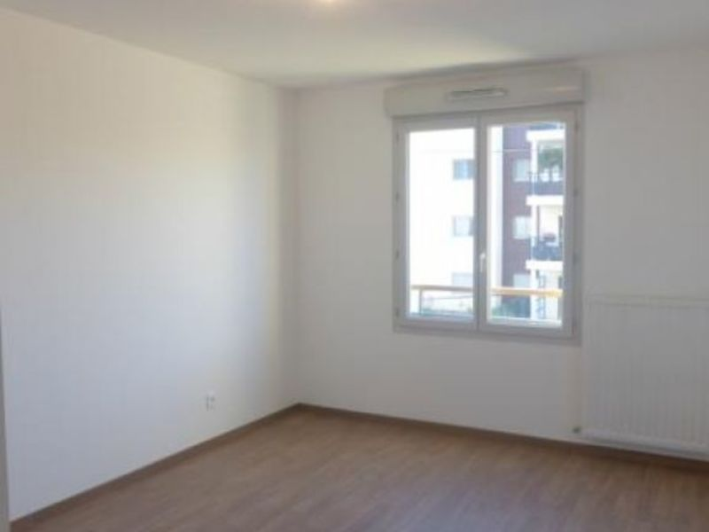 Location appartement Ferney voltaire 1 000€ CC - Photo 2