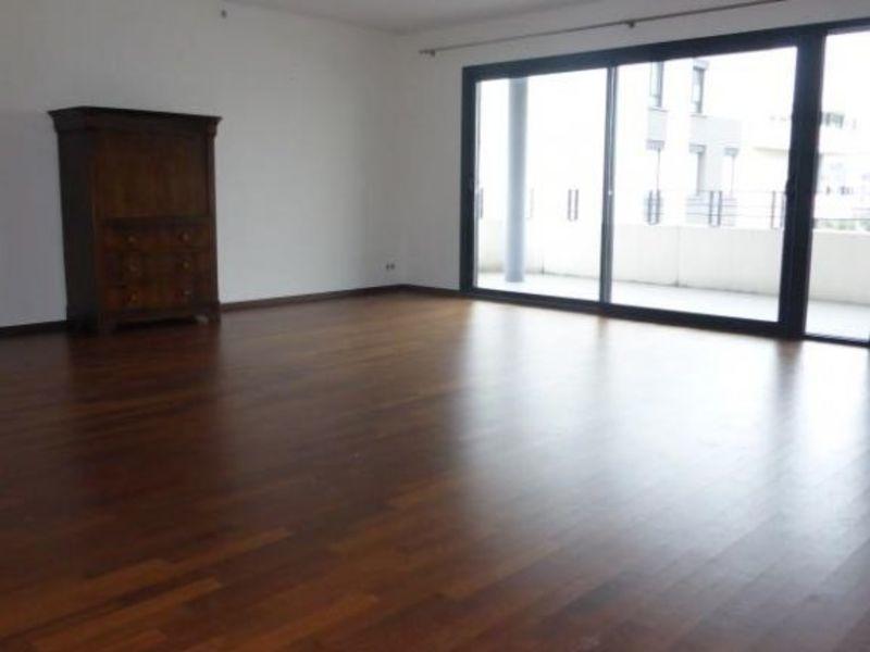 Affitto appartamento St genis pouilly 2500€ CC - Fotografia 3