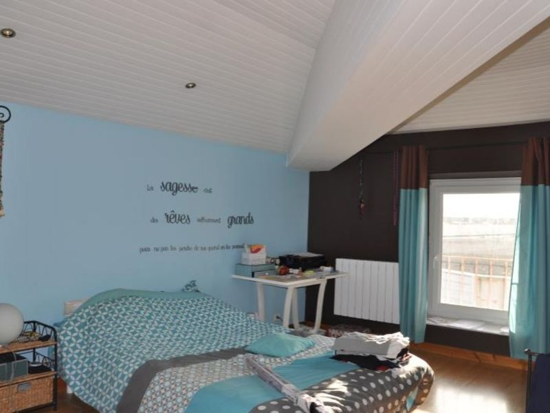 Sale apartment Oyonnax 141000€ - Picture 5