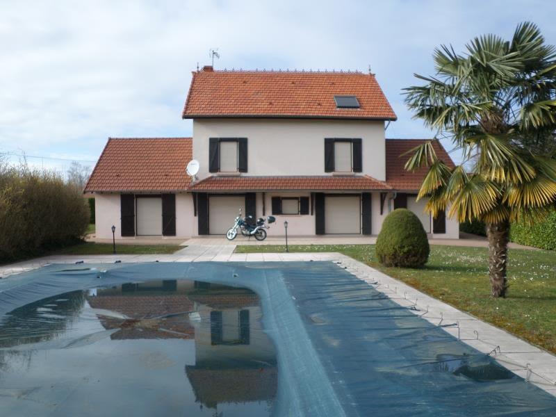 Sale house / villa Louhans 265000€ - Picture 1
