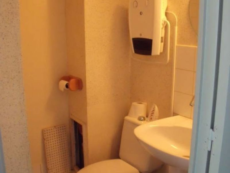 Location appartement Poitiers 345€ CC - Photo 7