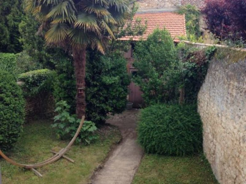 Location appartement Poitiers 718€ CC - Photo 1