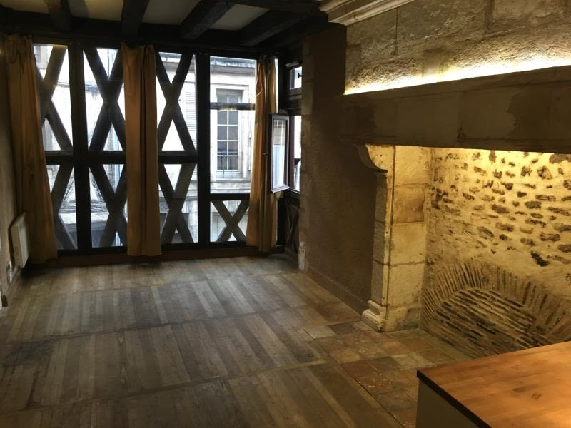 Location appartement Poitiers 296€ CC - Photo 2