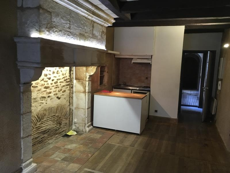 Location appartement Poitiers 296€ CC - Photo 3