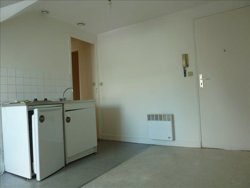 Location appartement Vendome 285€ CC - Photo 1
