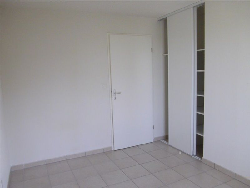 Rental apartment Vendome 460€ CC - Picture 4